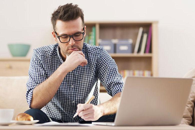 ۸ عادتی که شما را فریلنسر موفقتر و حرفهایتری میکند لینک : https://ardabilvas.ir/?p=1528 👇 سایت : ardabilvas.ir اینستاگرام : instagram.com/ArdabilVAS کانال : @ArdabilVAS 👆