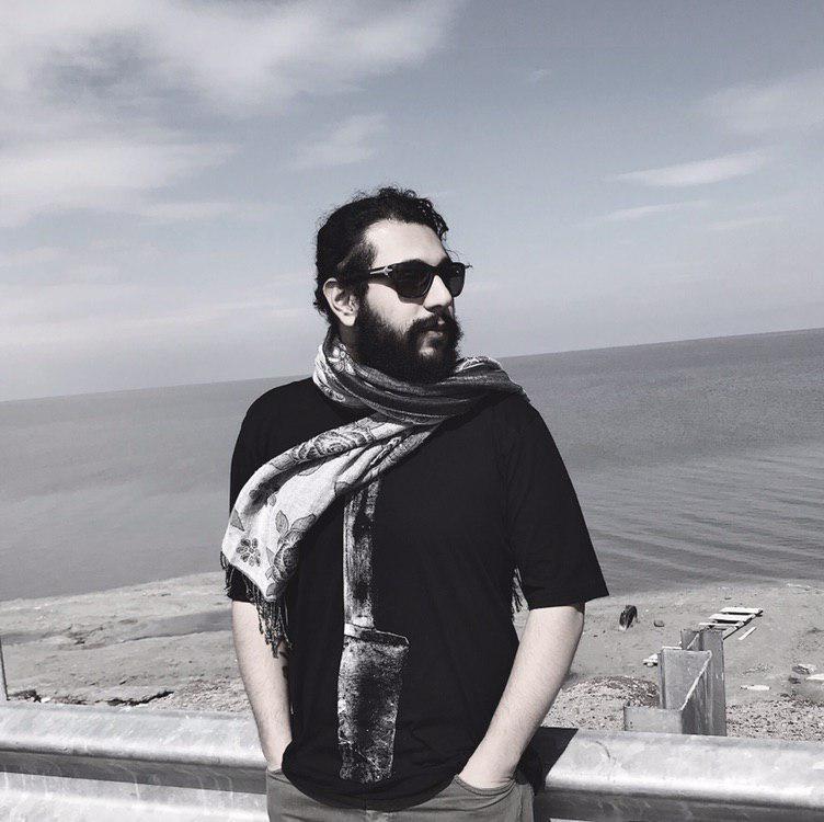 هرشب با یک هنرمند، معرفی و آثار هامون علیپور لینک : https://ardabilvas.ir/?p=1447 👇 سایت : ardabilvas.ir اینستاگرام : instagram.com/ArdabilVAS کانال : @ArdabilVAS 👆